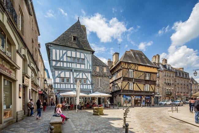 VIAJES A FRANCIA CLASICA Y MEDIEVAL DESDE ARGENTINA - Angers / Blois  / Carnac / Castillo de Chenonceau / Castillo de Villandry / Dinan / Locmariaquer (Población) / Locronan / Monte Saint-Michel / Nantes / París / Pleyben / Quimper / Saint-Malo / Tours / Valle del Loira / Vannes /  - Paquetes a Europa