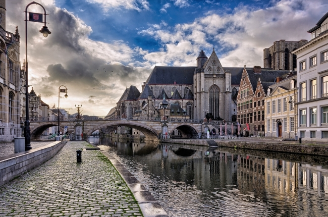 VIAJE GRUPAL AL NORTE DE EUROPA CON MADRID DESDE ARGENTINA - Brujas / Bruselas / Gante / Madrid / San Sebastián / Toledo / Blois  / Burdeos / Castillo de Chambord / Éperlecques / París / Tours / Amsterdam / Middelburg / Róterdam / Canterbury / Londres /  - Paquetes a Europa
