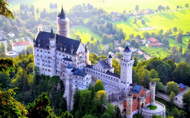 VIAJES GRUPALES AL SUR DE ALEMANIA, SUIZA Y NORTE DE ITALIA - Castillo de Neuschwanstein / Friburgo de Brisgovia / Munich / Selva Negra / Lago de Como / Milan / Turín / Vaduz / Lucerna / Zurich /  - Paquetes a Europa
