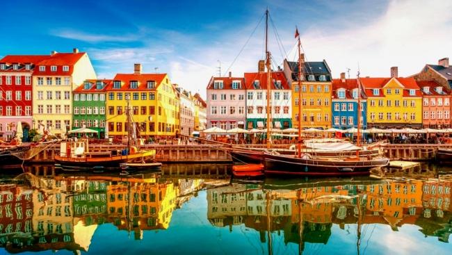 VIAJES GRUPALES A CAPITALES BALTICAS Y RUSIA CON CRUCERO - Copenhague / Tallin / Moscú / San Petersburgo / Estocolmo /  - Paquetes a Europa